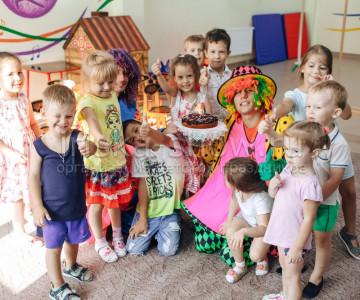 Клоуны в детском саду